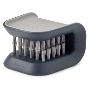 Щетка для столовых приборов и ножей BladeBrush серая  Joseph Joseph 85106